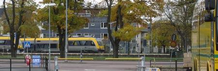 Tåg och buss mötes i Karlstad (men inte på samma ställe - det är 600 meter att gå till busstationen)