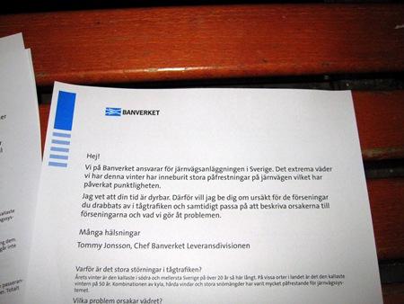 Pudel på bänk på Göteborg C