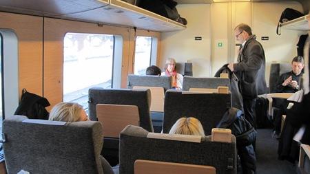 Rymlig 1 klasskupé med nya tygklädda stolar