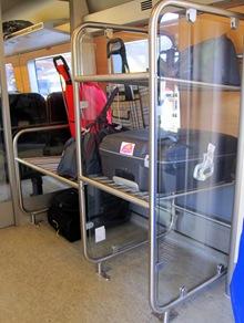 ordentliga ställ för baggage