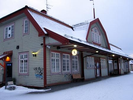 Stationshuset i Bräcke - med dekorationer