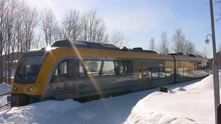 """Tåget anländer till """"vinterorten"""" Torsby"""