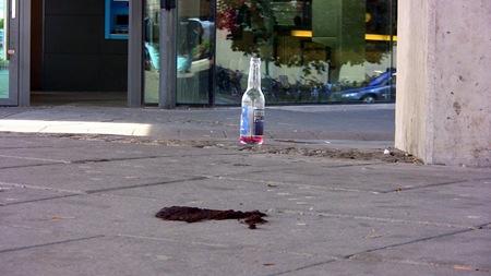 Spritflaskor och hundavföring
