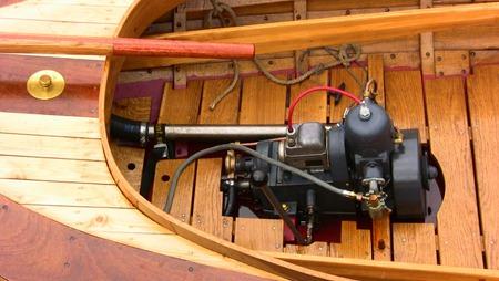 Nybyggd allmogebåt med tändkulemotor