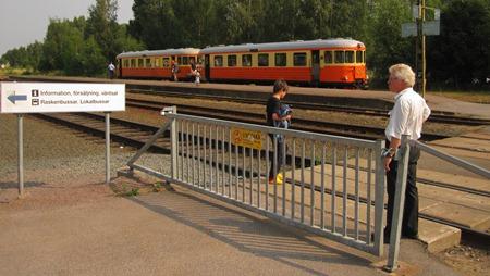 Spårspringsdilemma i Hultsfred - Gå förbi grinden eller inte gå förbi grinden