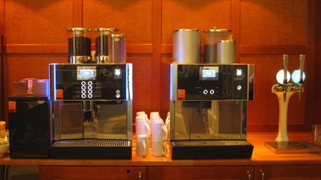 Nya kaffeautomater och vatten med kolsyra i SJ:s lounge i Göteborg