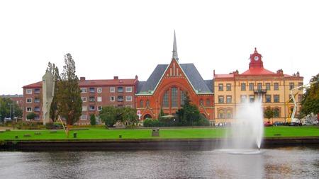 Picassostatyn, vattenforntän och min favoritkyrka i Halmstad