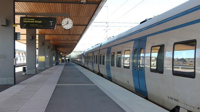 tåg uppsala stockholm