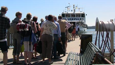 Många som vill åka ut till Utö denna dag