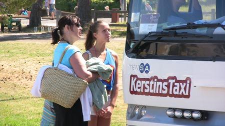 Så populär var bussen att alla inte kom med