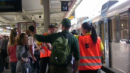 Även Stockholmståg hade personal som visade till rätta