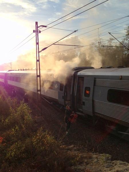 Tåg 443 brinner i Skövde