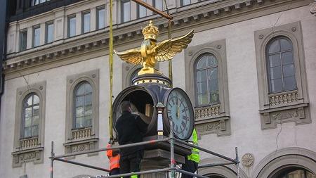 Tornbergs klocka nu på plats utanför Stockholm C