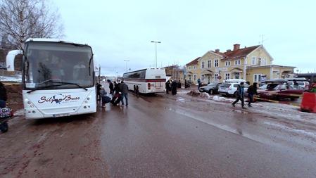 Byte från tåg till buss i Mora