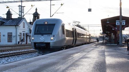 Varm och torr anländer jag med nytt tåg till Katrineholm
