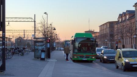 Och så kom jag med bussen som just skulle gå.