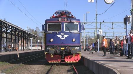 Sista Blu-X-loket 1409 i Falun reda för sista färden mot Stockholm.