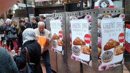 Gratis kakor på Köpenhamn C idag ( Foto: Anonym )