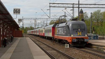 Veolias Snälltåg passerar Katrineholm