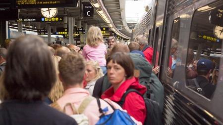 Kraftfull försenat SJ 2000 tåg på Stockholm C i måndags