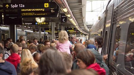 Starkt försenat SJ Snabbtåg spetsvänder på Stockholm C