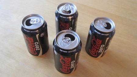 Fyra burkar Cola Zero