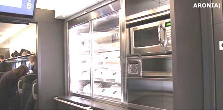 Det är helt OK att värma egen mat i mikrovågsugnen i MTRs bistro
