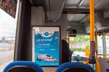 Varför är det dansk reklam på bussarna i Haninge?