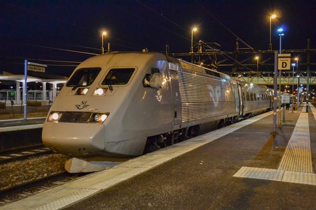 stockholm halmstad tåg